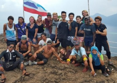 Group photo turtle nesting coral reef conservation in Borneo