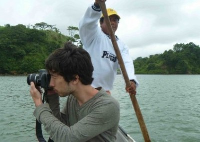 Volunteer taking photo turtle and marine conservatio Ecuador